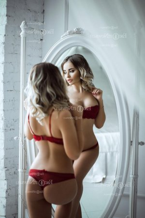 Lou-anna live escort in Lawrence & happy ending massage