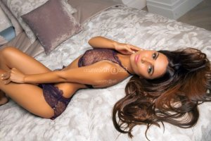 Kirsty happy ending massage, ebony live escorts
